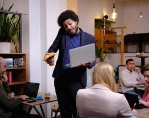Belastingdienst geeft vier belastingtips voor ondernemers uit de detailhandel